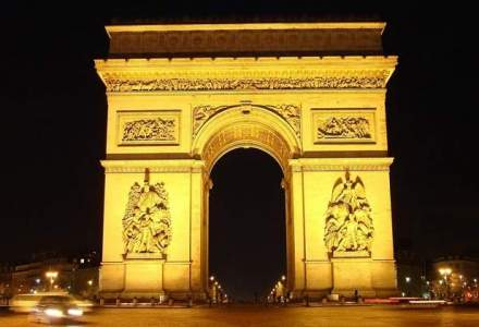 Parisul sarbatoreste o zi fara masini pe bulevardul Champs-Elysees