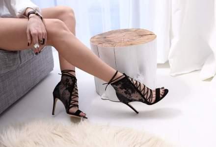 Povestea celor doua surori care au pariat pe pantofii personalizati si acum au vanzari de 250.000 de euro