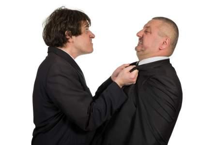 Abuzul de putere in negociere: cand te simti puternic, tentatia este sa ceri din ce in ce mai mult