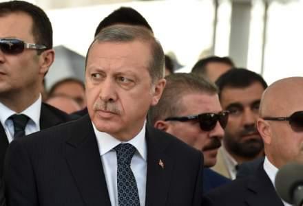 Recep Tayyip Erdogan, ofensat, si-a scurtat vizita la funeraliile lui Muhammad Ali