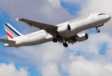 Pilotii Air France fac greva alaturi de feroviari si lucratori din salubritate