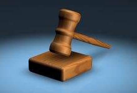 Razboiul rece dintre banci, avocati si clientii nemultumiti: Cine pierde si cine castiga?