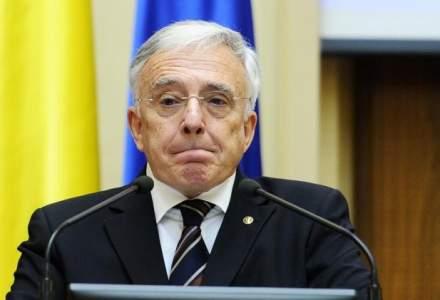 Mugur Isarescu: BNR va derula anul viitor un exercitiu de evaluare a activelor bancilor din Romania, pe metodologia europeana