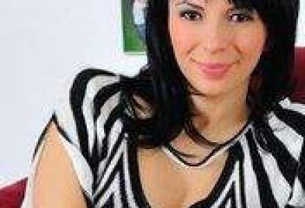 Angela Cretu da New York-ul pe Moscova si preia sefia Avon Rusia