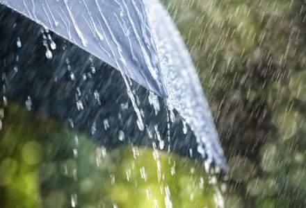 Cod galben de ploi si vijelii in 27 de judete pana duminica dimineata