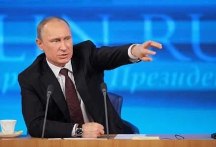 Vladimir Putin ii acuza pe britanici ca folosesc posibilitatea iesirii din UE pentru a santaja statele europene