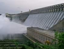 Hidroelectrica a iesit din...