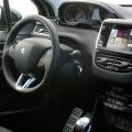 Peugeot 208 - Foto 11 din 15