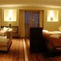 Locatarii apartamentului regal de la Radisson: Madonna, James Blunt sau Printul Felipe al Spaniei - Foto 1 din 9