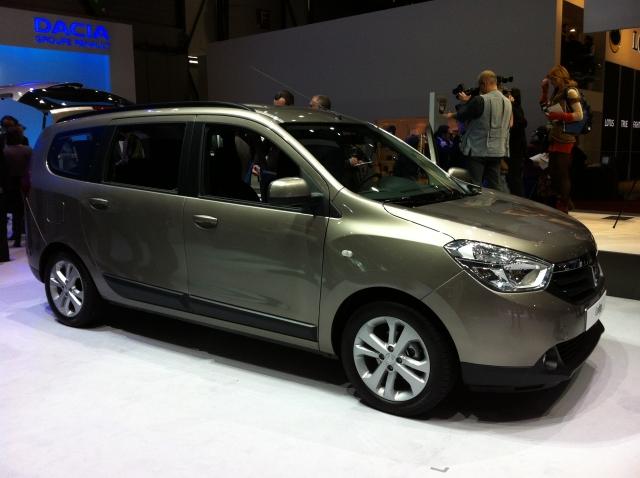 GENEVA LIVE: Dacia Lodgy a fost prezentat la Salonul Auto. Afla pretul modelului - Foto 1 din 18