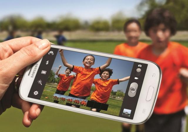 Samsung Galaxy S3 a fost lansat oficial. Ce noutati aduce in lupta cu iPhone? [FOTO-VIDEO] - Foto 1 din 13