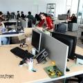 Un birou senzorial: Tone de cabluri in podea si un glob disco - Foto 9