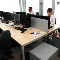 Un birou senzorial: Tone de cabluri in podea si un glob disco - Foto 11