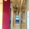 Un birou senzorial: Tone de cabluri in podea si un glob disco - Foto 12