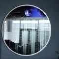 Un birou senzorial: Tone de cabluri in podea si un glob disco - Foto 19