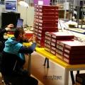 Un birou senzorial: Tone de cabluri in podea si un glob disco - Foto 21