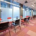Un birou senzorial: Tone de cabluri in podea si un glob disco - Foto 32