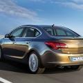 Opel Astra sedan - Foto 2 din 4