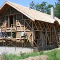 Casele din baloti de paie: Cel mai nou pariu al unor tineri in domeniul constructiilor ecologice - Foto 1