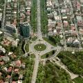 Charles de Gaulle Plaza - Foto 1 din 5