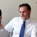 Pranz cu fotbalistul care conduce Fondul Proprietatea: Despre Euro 2012 si trecerea de la socialism la capitalism in doua zile - Foto 1