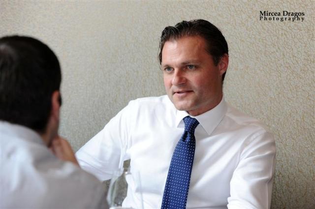 Pranz cu fotbalistul care conduce Fondul Proprietatea: Despre Euro 2012 si trecerea de la socialism la capitalism in doua zile - Foto 1 din 11