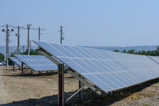 Cum arata parcul fotovoltaic dezvoltat in Vrancea cu know-how danez si portughez (Galerie Foto) - Foto 18 din 28