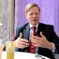 Steven van Groningen, bancherul ce a facut cunostinta cu Romania in anii salbatici de dupa Revolutie - Foto 11 din 13
