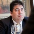 Interviu cu Calin Galaseanu, country manager al Bristol-Myers Squibb - Foto 8 din 9