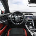 Jaguar XE - Foto 7 din 12