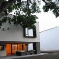 Casa cu lumini colorate - Foto 3 din 5