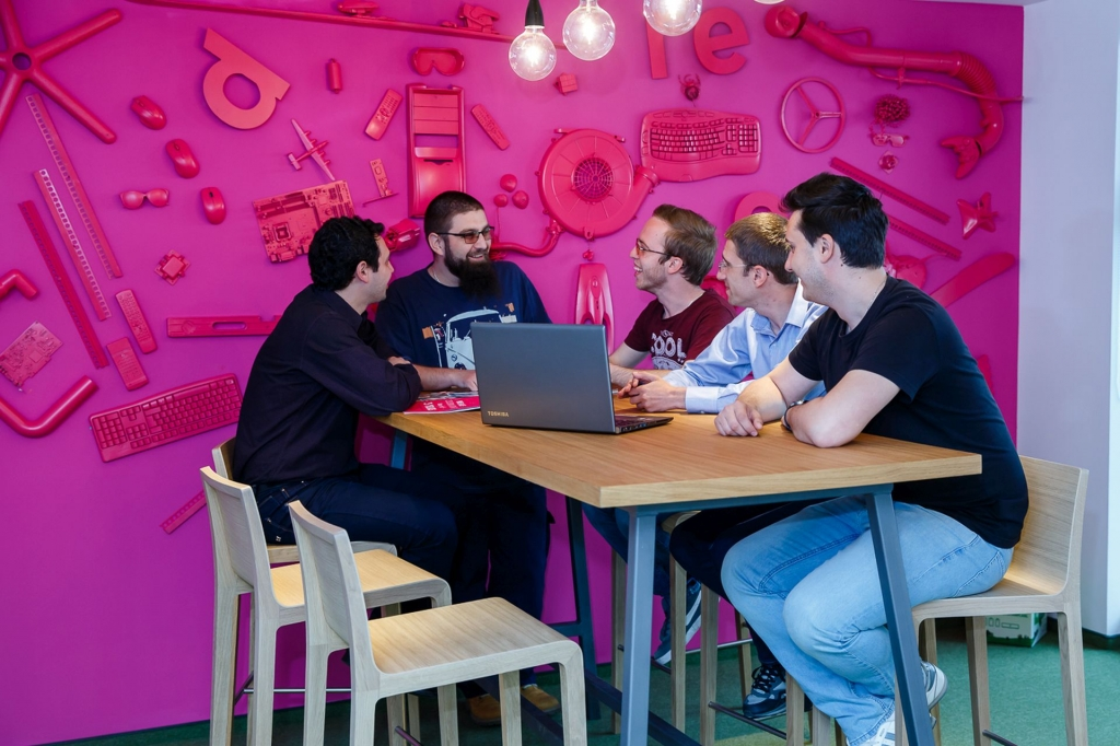 Un birou care inspira: cum lucreaza angajatii Yonder din Iasi - Foto 6 din 22