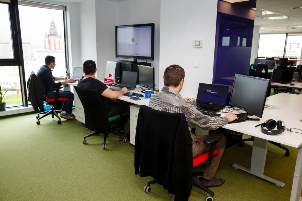 Un birou care inspira: cum lucreaza angajatii Yonder din Iasi - Foto 14 din 22