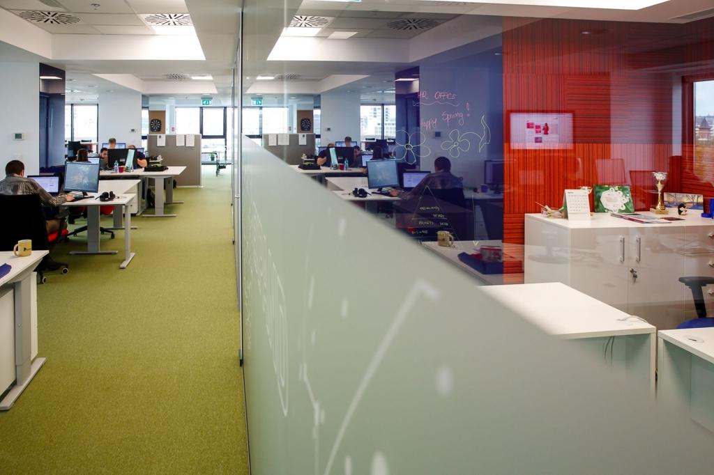 Un birou care inspira: cum lucreaza angajatii Yonder din Iasi - Foto 19 din 22