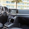 Hyundai Elantra - Foto 4 din 5