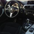 BMW 330e plug-in hybrid - Foto 12 din 18