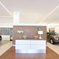 Tiriac da un nou look showroom-urilor Jaguar Land Rover: investitii de 3 MIL. euro - Foto 3