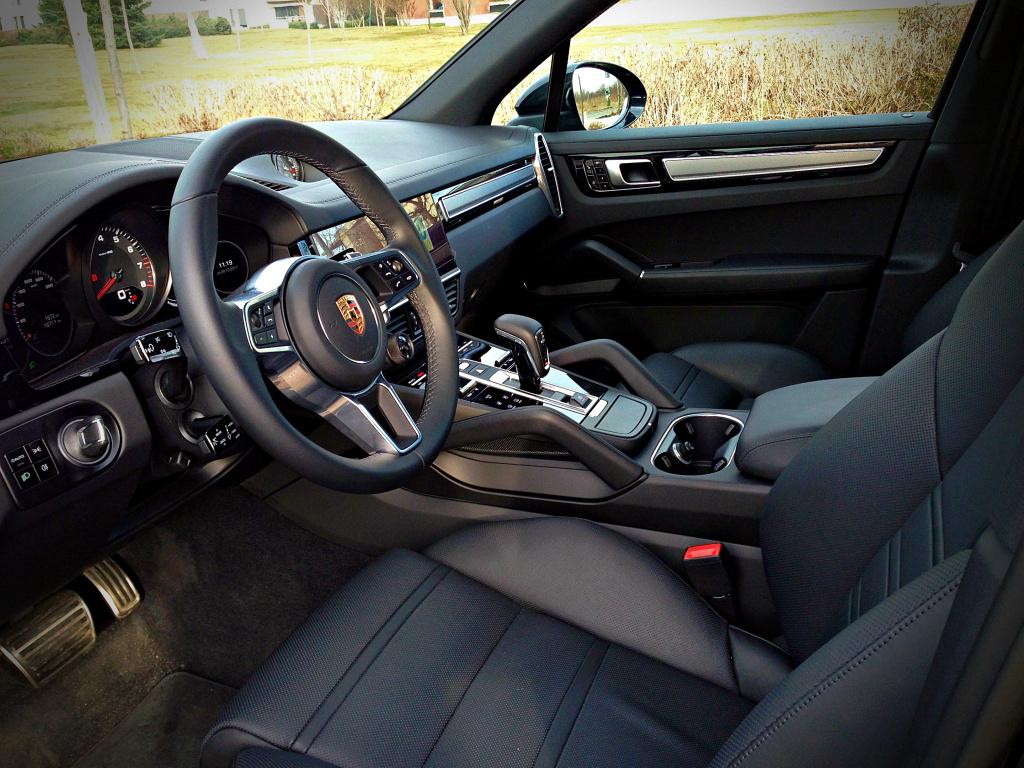 Porsche Cayenne S 440 CP: Un SUV cu senzatii de coupe - test drive - Foto 9 din 19