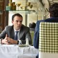 Cristian Carstoiu, partener EY Romania, despre schimbarea de paradigma in banking: Devin bancile organizatii IT care livreaza servicii financiare? - Foto 1