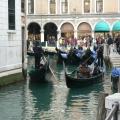 Italia, in straie de sarbatoare: Vezi cum arata Carnavalul de la Venetia in 2010 - Foto 19 din 36