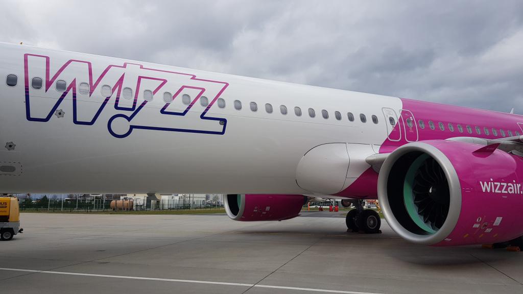 [Galerie foto] Cum arata cel mai nou avion Airbus din flota Wizz Air - Foto 4 din 19