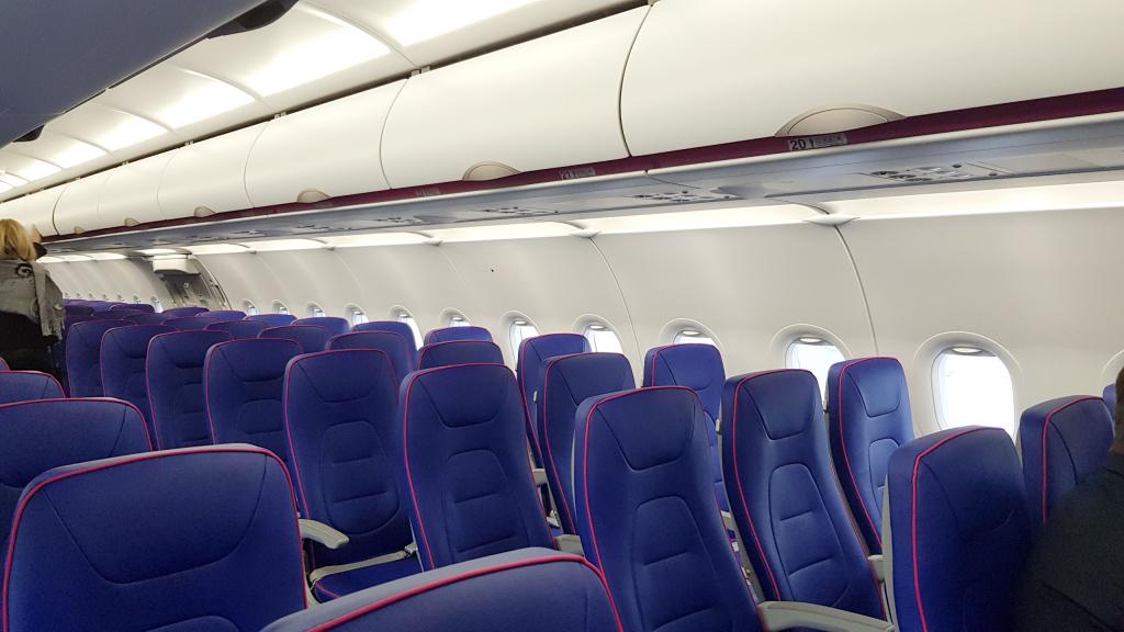 [Galerie foto] Cum arata cel mai nou avion Airbus din flota Wizz Air - Foto 6 din 19