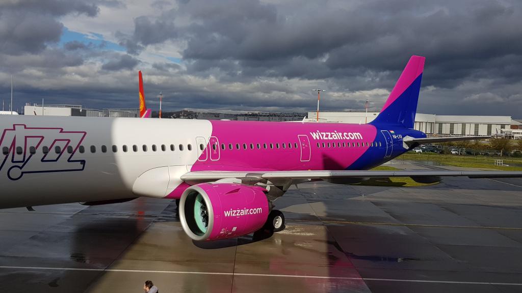 [Galerie foto] Cum arata cel mai nou avion Airbus din flota Wizz Air - Foto 13 din 19