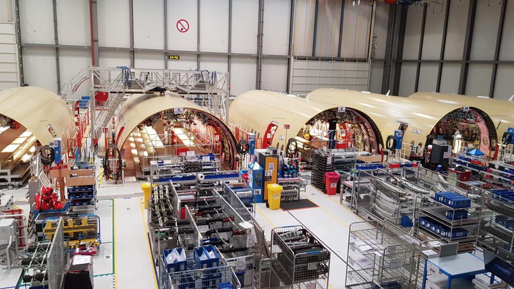 [Galerie foto] Cum arata cel mai nou avion Airbus din flota Wizz Air - Foto 15 din 19