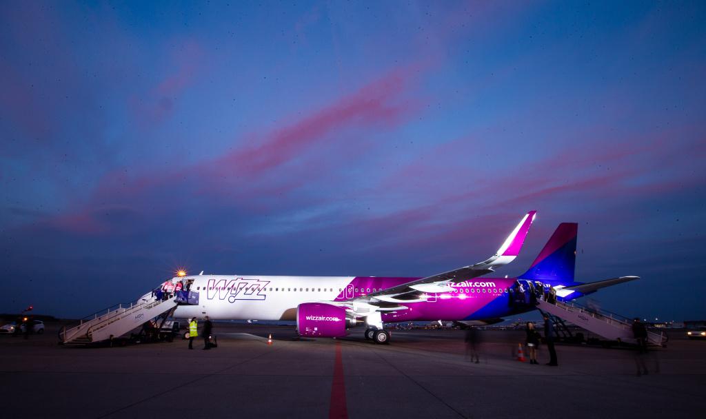 [Galerie foto] Cum arata cel mai nou avion Airbus din flota Wizz Air - Foto 19 din 19