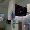 FOTO  Cum arata si cum sunt stocate probele in cea mai mare banca de celule stem din Europa - Foto 6