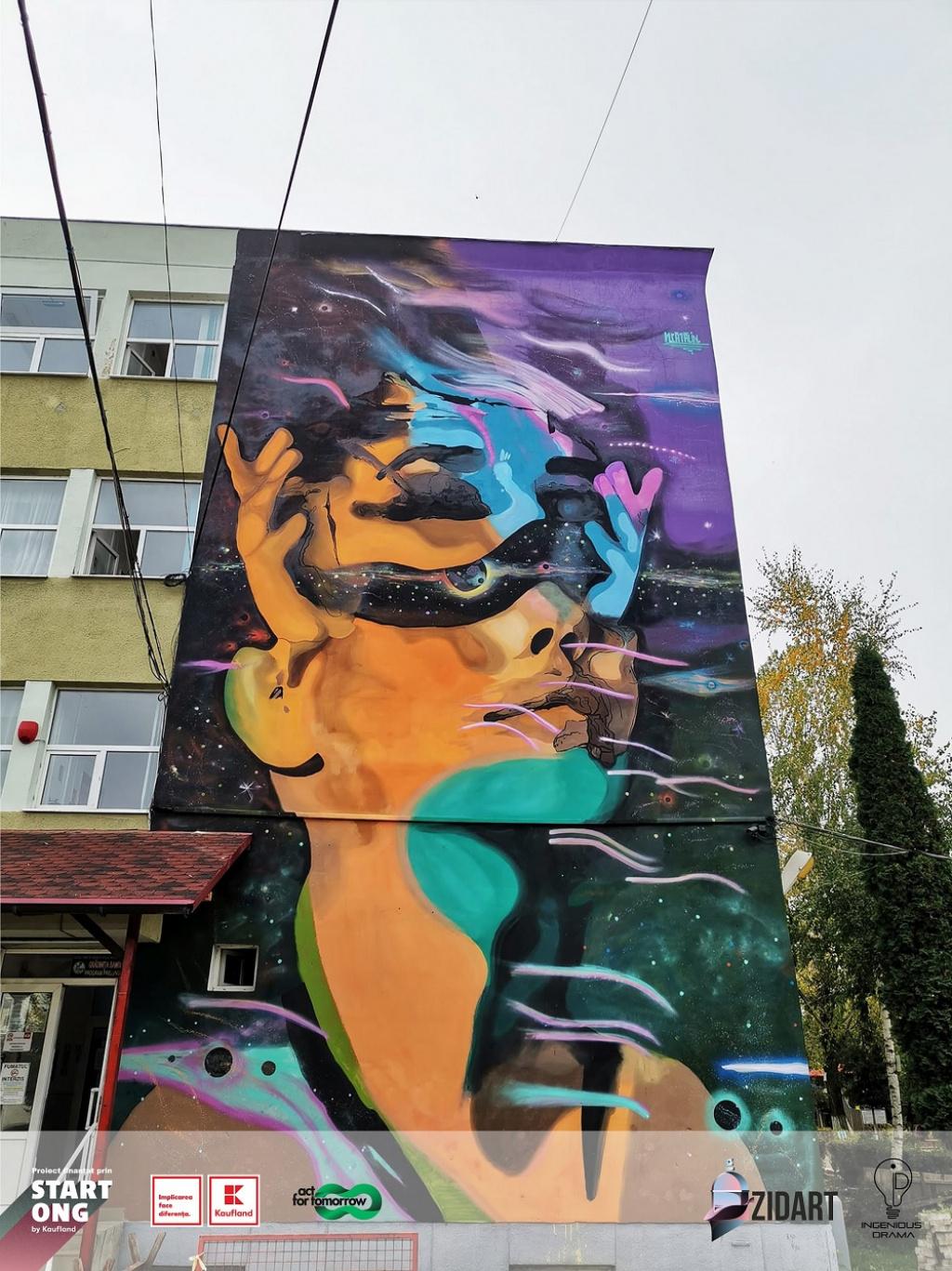 GALERIE FOTO Bacaul, orasul cu cele mai multe picturi murale care purifica aerul din Europa - Foto 1 din 8