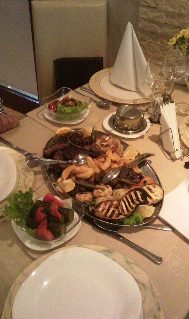 Un restaurant pe saptamana: Bucataria neoromaneasca (o cronica subiectiva) - Foto 1 din 16