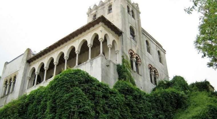 Vila in terase Sutu, stilul Maur, la vanzare, la vanzare pentru un pret de pornire de 1,1 mil. euro