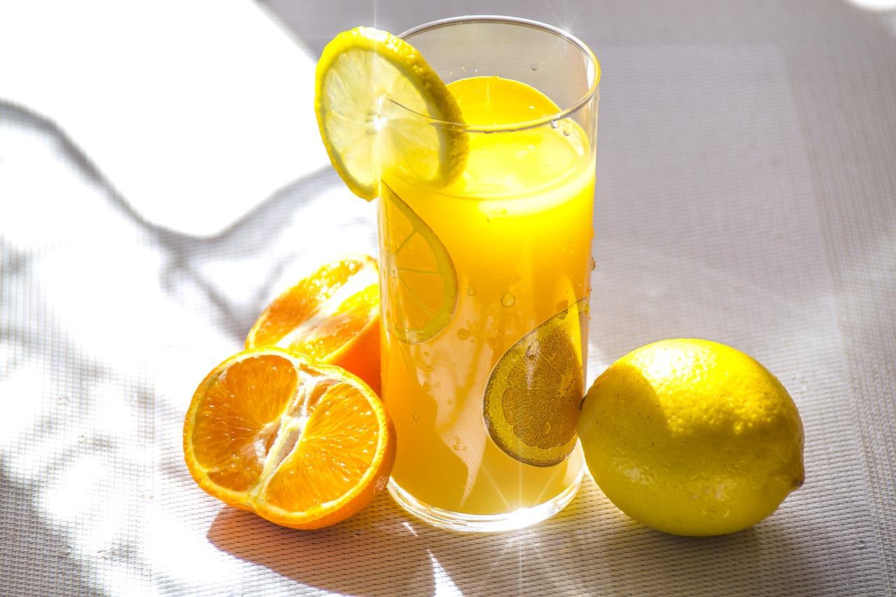 Afacere cu sucuri naturale la pahar